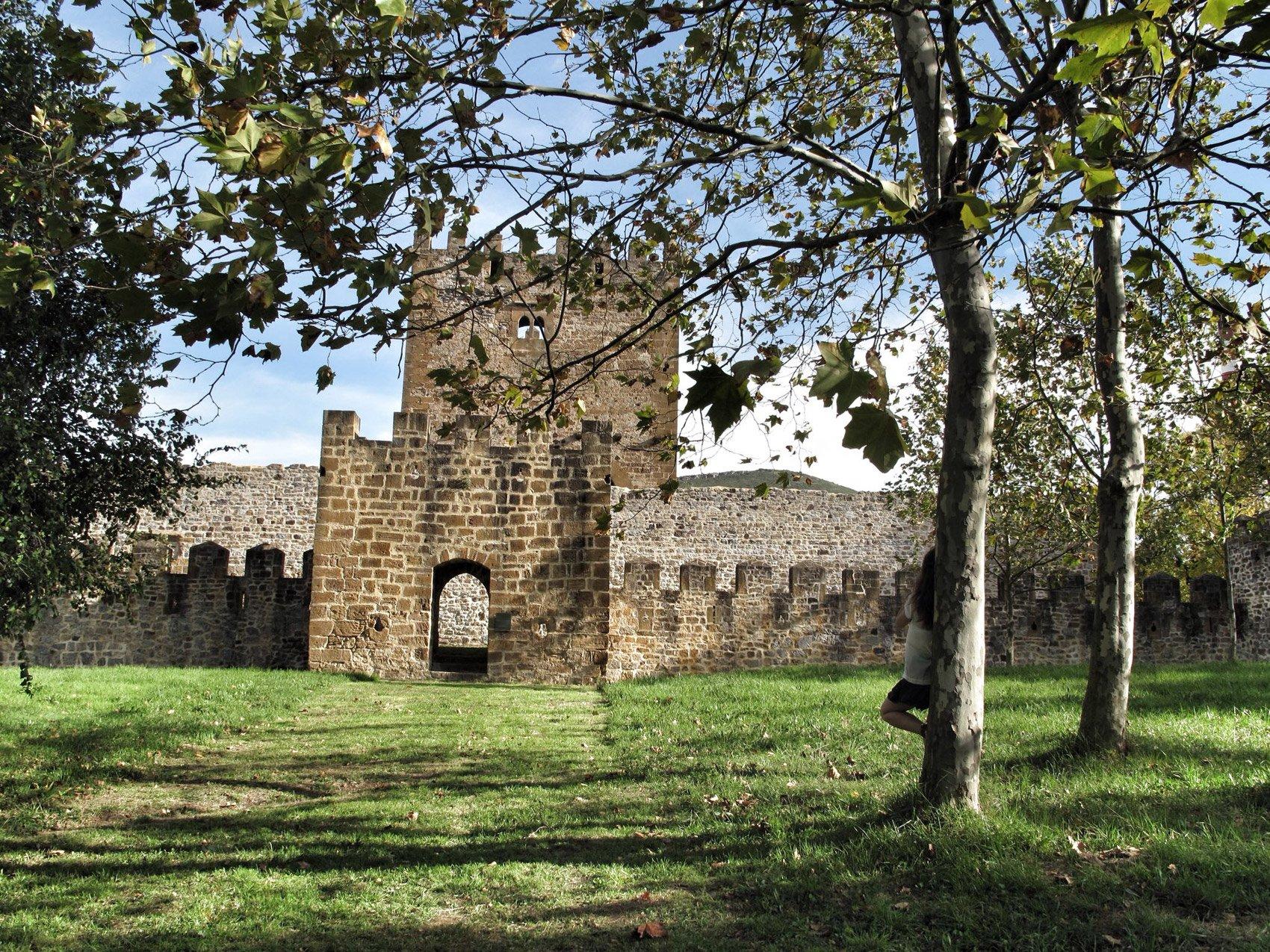 Castillo de Muñatones, Muskiz (Bizkaia)